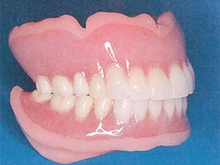 ループ・シリコン義歯